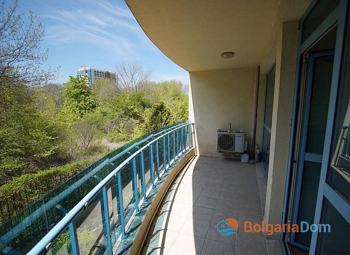 Двухкомнатная квартира с гаражом в комплексе в Поморие. Фото 7