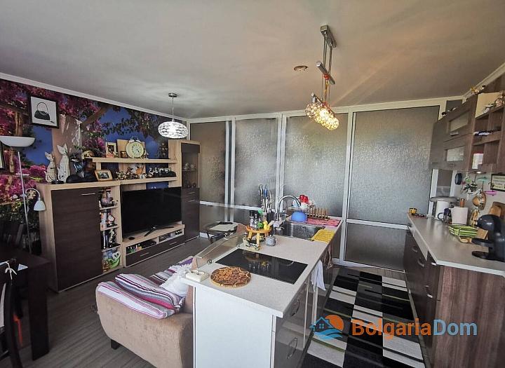 Большая двухкомнатная квартира с отоплением, без таксы. Фото 1
