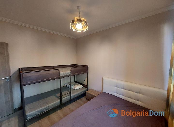 Двухкомнатная квартира на первой линии моря. Фото 4