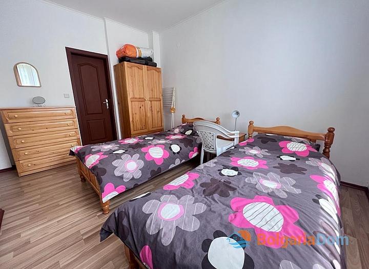 Трехкомнатная квартира с мебелью в новом комплексе с невысокой таксой. Фото 12