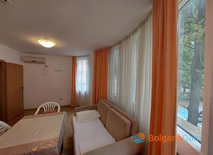 Прекрасный апартамент с двумя спальнями без таксы на Солнечном берегу. Фото 6