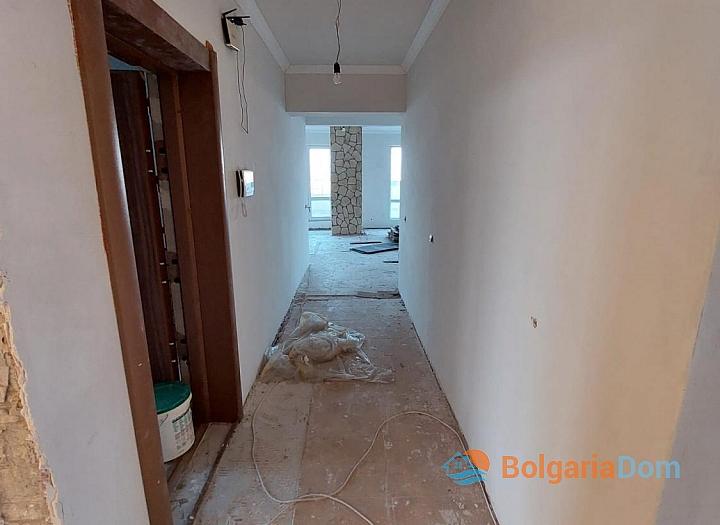 Огромный апартамент на весь этаж с панорамным видом на море и Бургас!. Фото 11