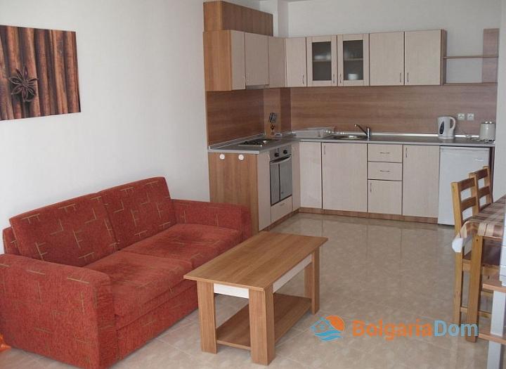 Двухкомнатная квартира на продажу в Лазур-2. Фото 3