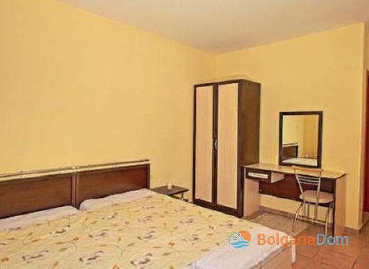 Двухкомнатная меблированная квартира в центральной части Солнечного берега. Фото 3
