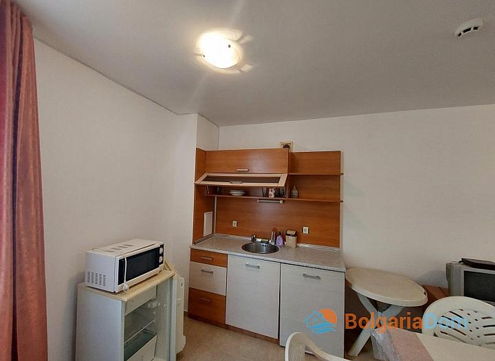 Прекрасный апартамент с двумя спальнями без таксы на Солнечном берегу. Фото 3