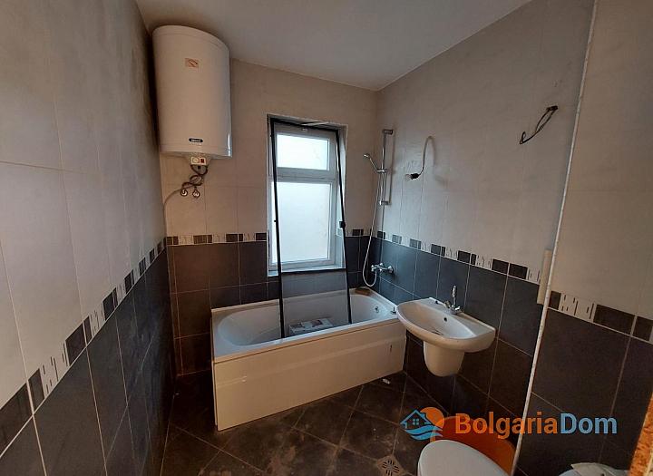 Огромный апартамент на весь этаж с панорамным видом на море и Бургас!. Фото 12
