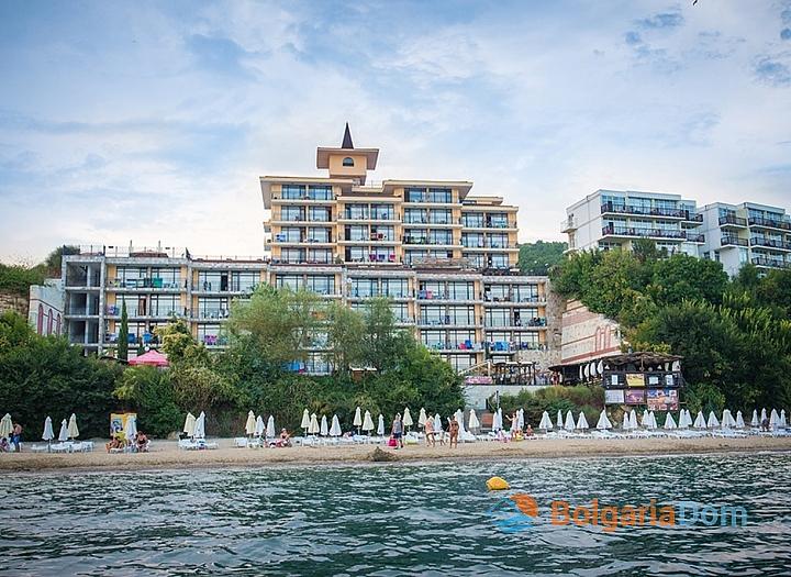 Квартира с видом на море в Цезарь Палас, Св. Влас. Фото 1