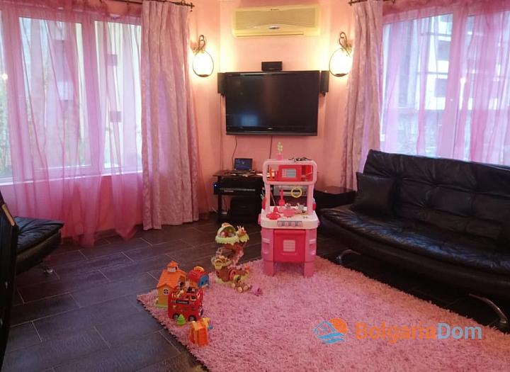 Трёхкомнатная меблированная квартира в Святом Власе для постоянного проживания. Фото 6