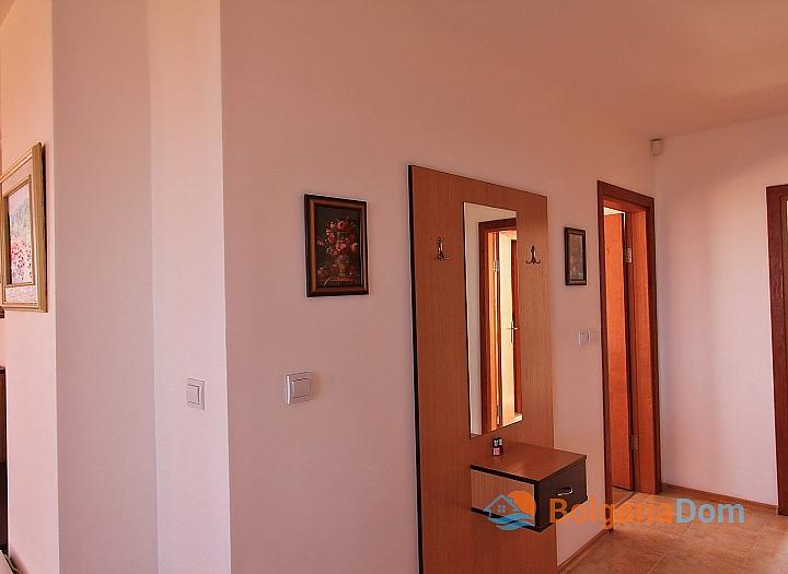 Трехкомнатная квартира с панорамными видами в Бяле. Фото 16