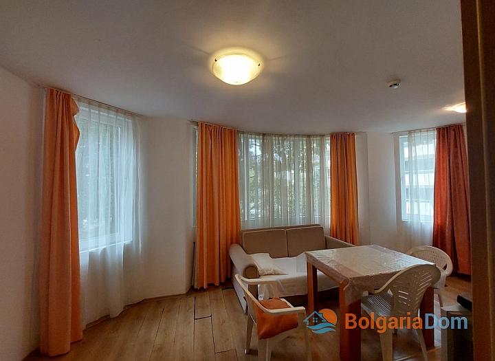 Прекрасный апартамент с двумя спальнями без таксы на Солнечном берегу. Фото 7