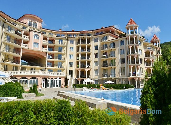 Большая двухкомнатная квартира в Елените. Фото 10