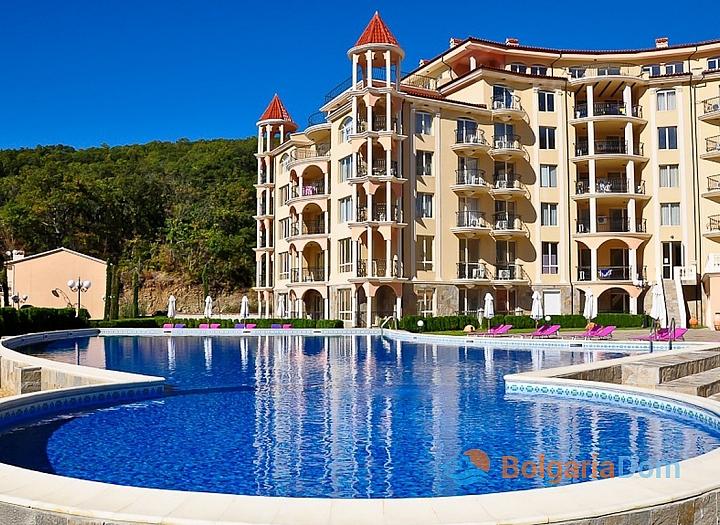 Красивая трехкомнатная квартира в отличном комплексе. Фото 1