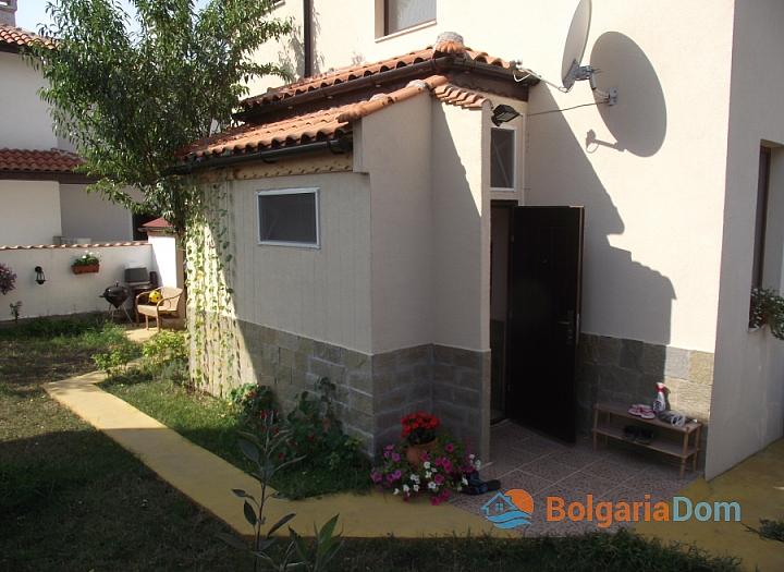 Отличный дом на продажу в пригороде Бургаса. Фото 14