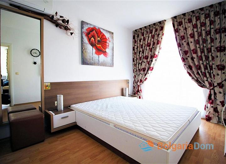 Купить хорошую двухкомнатную квартиру на Солнечном берегу. Фото 1