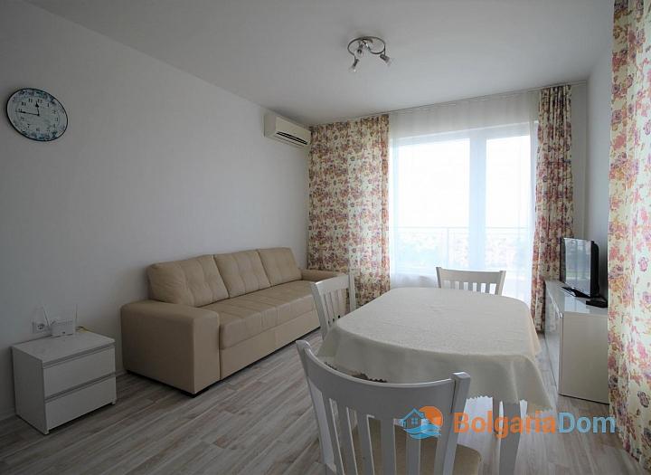 Двухкомнатная квартира на продажу в курорте Бяла. Фото 1