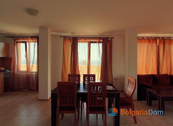 Трехкомнатная квартира с панорамными видами в Бяле. Фото 15