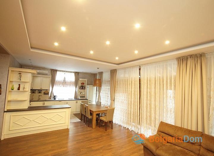 Отличный меблированный двухэтажный дом в Равде . Фото 1