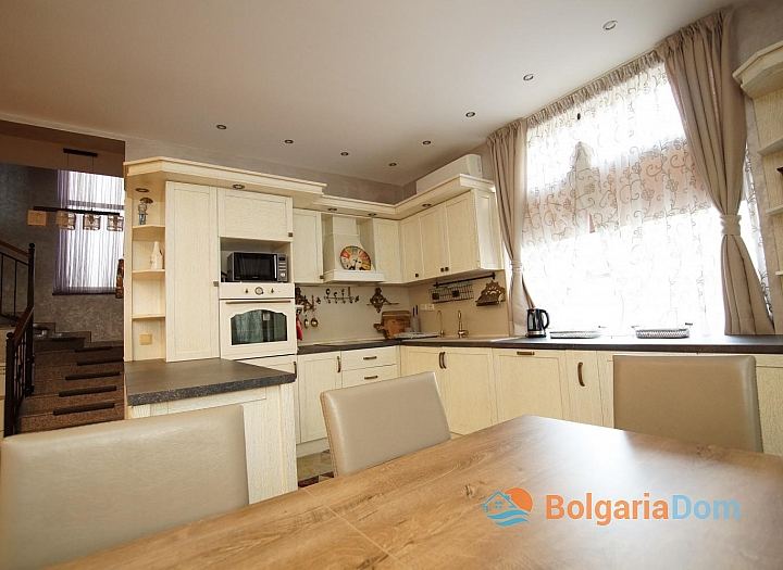 Отличный меблированный двухэтажный дом в Равде . Фото 9