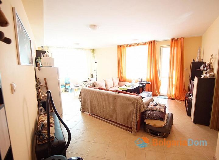 Просторная двухкомнатная квартира в красивом комплексе. Фото 3