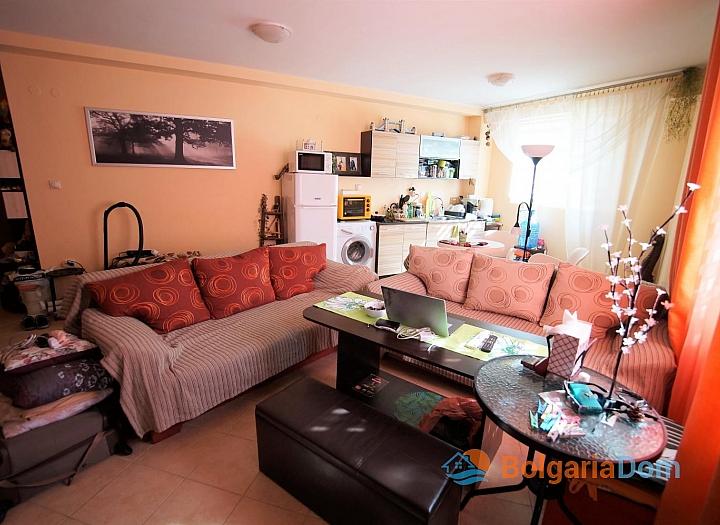 Просторная двухкомнатная квартира в красивом комплексе. Фото 1