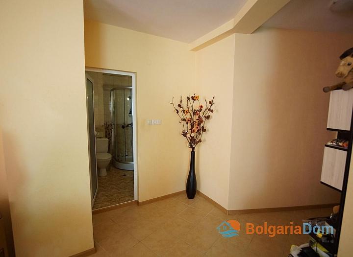 Просторная двухкомнатная квартира в красивом комплексе. Фото 6