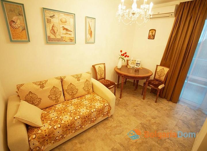Двухкомнатная квартира в Несебре для ПМЖ. Фото 1
