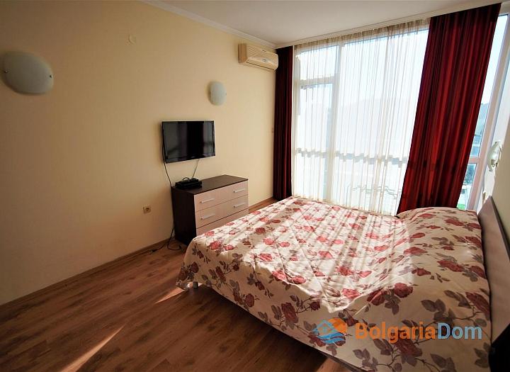 Меблированная двухкомнатная квартира в Несебре на первой линии. Фото 5