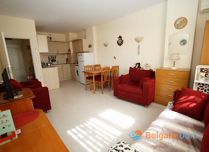 Двухкомнатная меблированная квартира на Солнечном Берегу в 150 метрах от пляжа. Фото 5