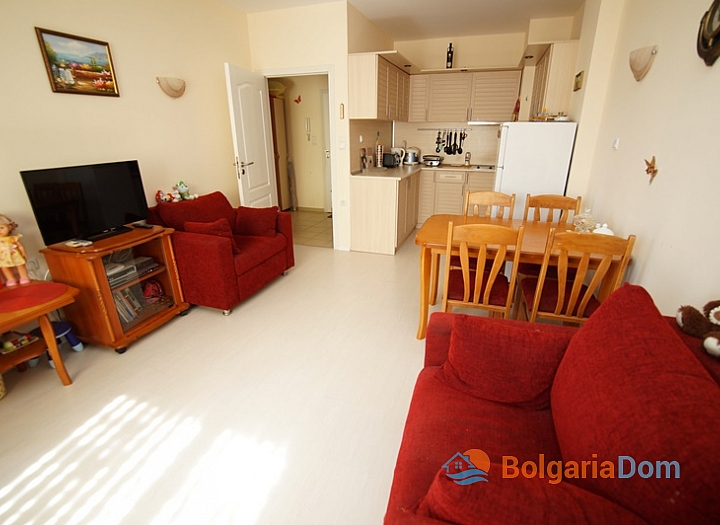 Двухкомнатная меблированная квартира на Солнечном Берегу в 150 метрах от пляжа. Фото 7