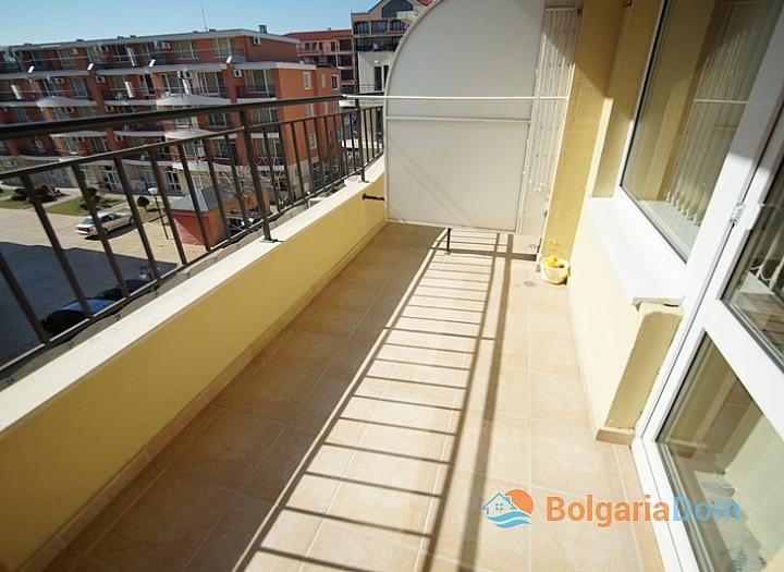 Двухкомнатная меблированная квартира на Солнечном Берегу в 150 метрах от пляжа. Фото 14