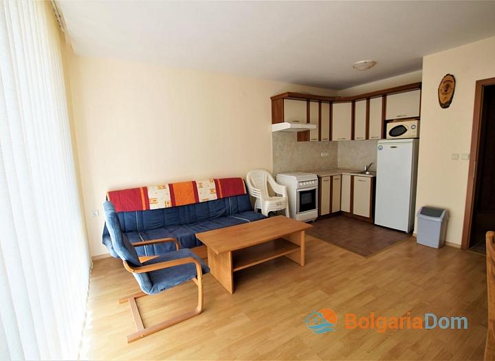 Двухкомнатная меблированная квартира в Елените с видом на море. Фото 4