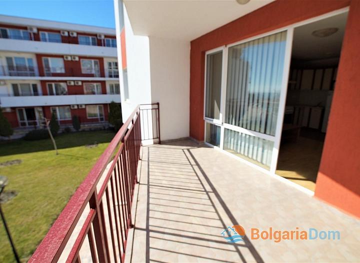 Двухкомнатная меблированная квартира в Елените с видом на море. Фото 6
