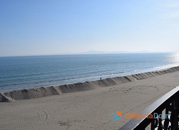 Трехкомнатная квартира на первой линии моря в Сансет Резорт. Фото 6