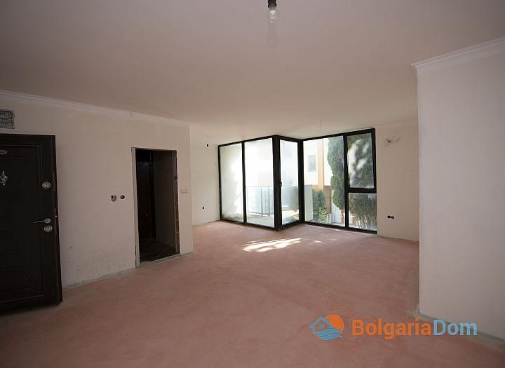Недорогая квартира на первой линии моря в Равде. Фото 3