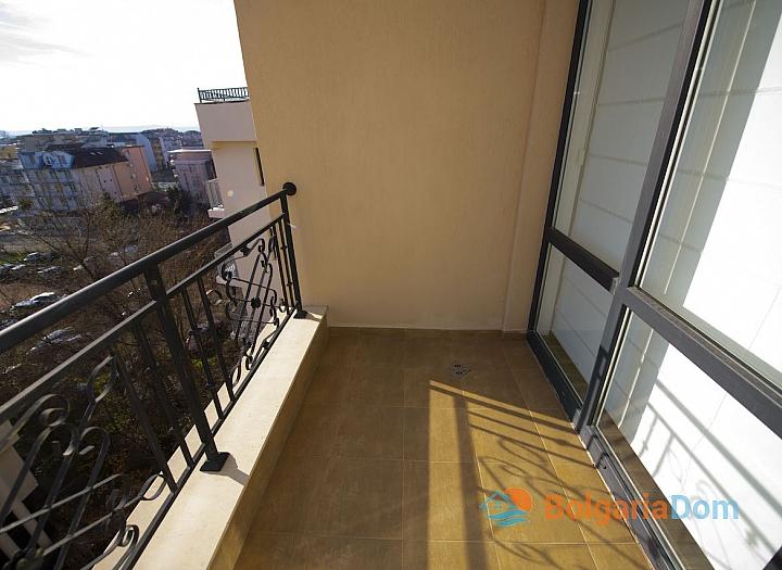 Новая трехкомнатная квартира в центре Солнечного Берега. Фото 6