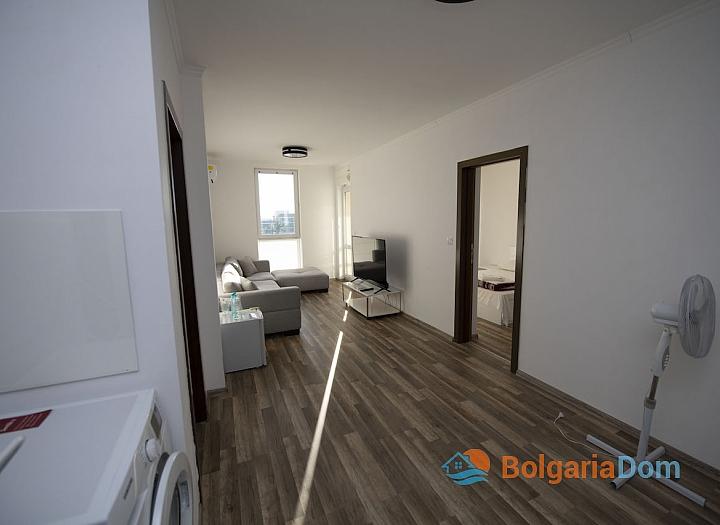Новая трехкомнатная квартира в центре Солнечного Берега. Фото 3