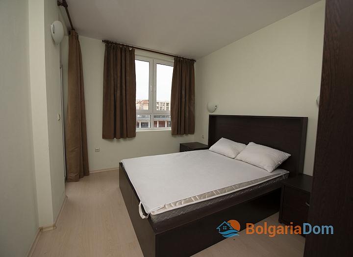 Просторная двухкомнатная квартира в Солнечном Береге. Фото 3