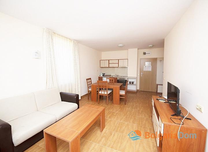 Двухкомнатная квартира с красивым видом в комплексе на второй линии. Фото 2