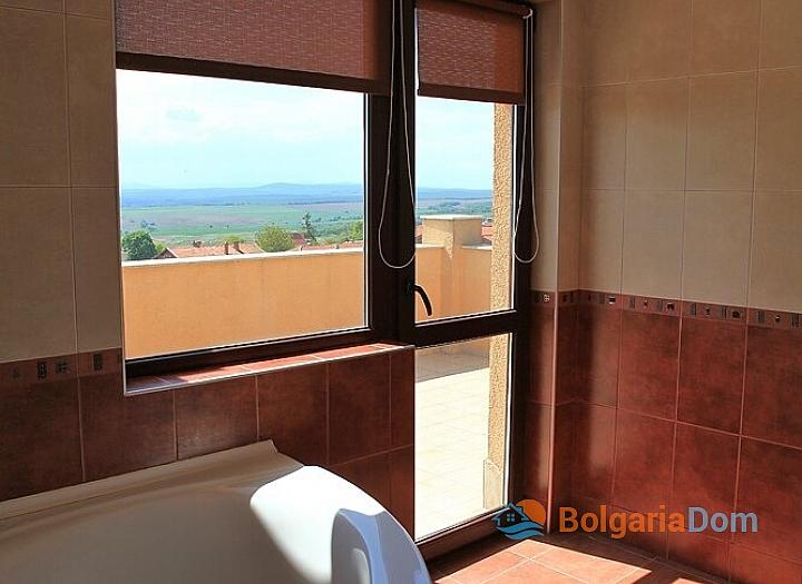 Трехкомнатная квартира с панорамными видами в Бяле. Фото 21
