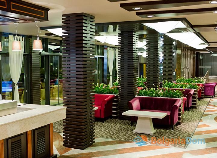 Апартаменты с 2 спальнями на первой линии в элитном комплексе Галеон. Фото 2