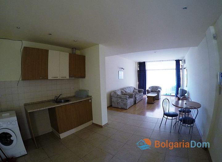 Недорогая квартира на продажу в курорте Солнечный Берег. Фото 3
