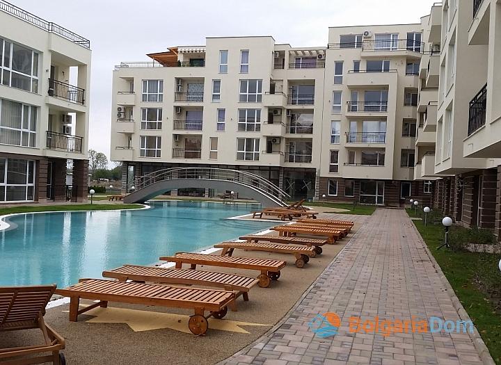 Продажа двухкомнатной квартиры в курорте Солнечный Берег. Фото 1