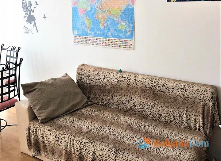Купить двухкомнатную меблированную квартиру в Сарафово. Фото 4