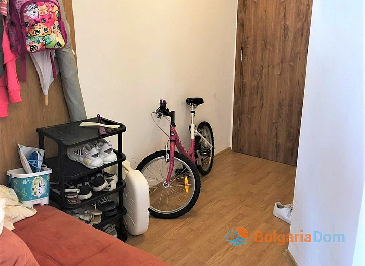 Купить двухкомнатную меблированную квартиру в Сарафово. Фото 10