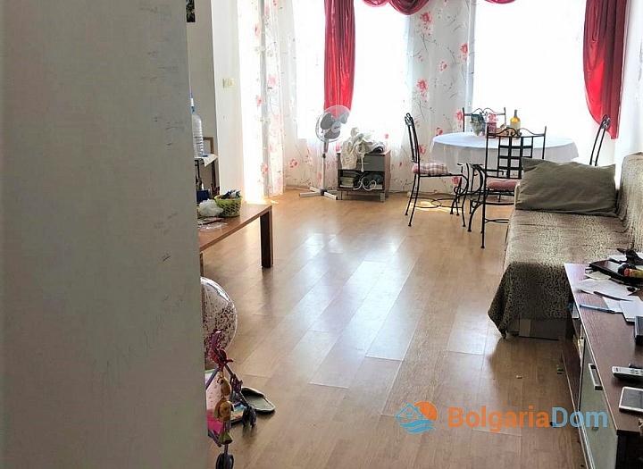 Купить двухкомнатную меблированную квартиру в Сарафово. Фото 8