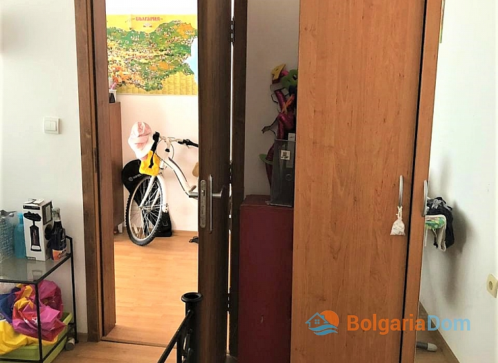 Купить двухкомнатную меблированную квартиру в Сарафово. Фото 7