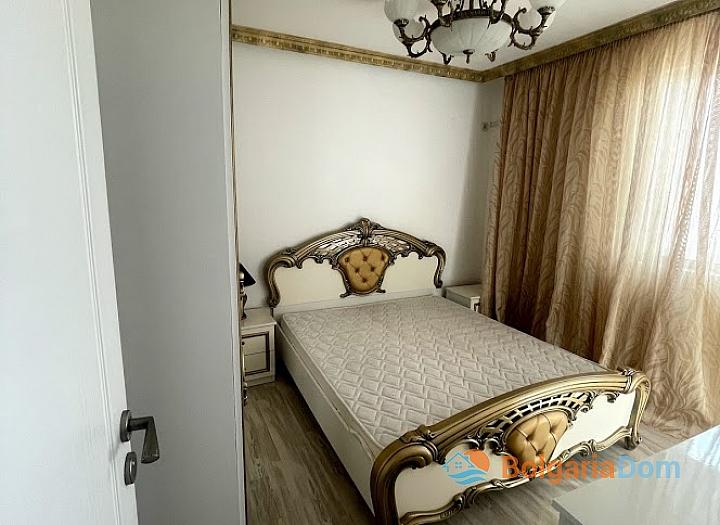 Новая красивая трехкомнатная квартира в жилом доме в центре Равды. Фото 2