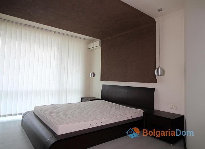 Просторная квартира с двумя спальнями в красивом комплексе. Фото 3