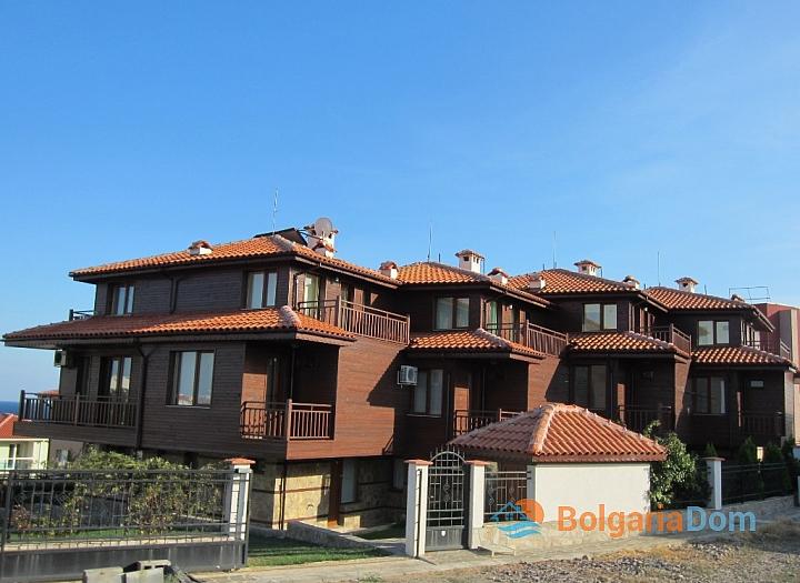 Трехэтажные дома на продажу недалеко от моря. Фото 1