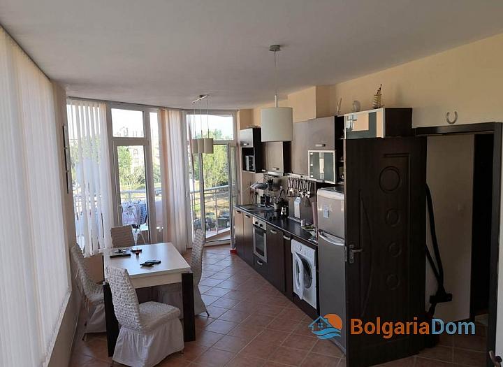Меблированная трёхкомнатная квартира в комплексе Балкан Бриз 2. Фото 4